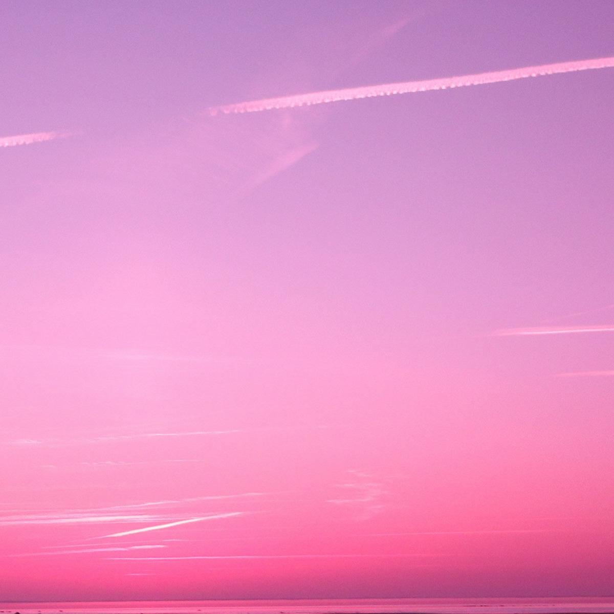 ピンク色のハワイの空
